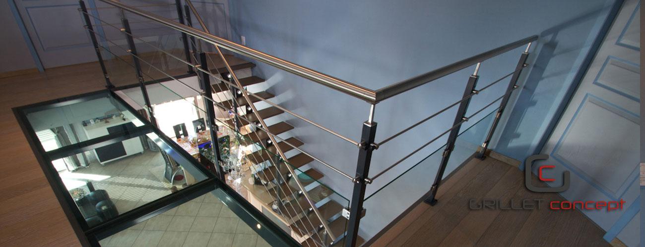 Escalier m tal bois verre garde corps portail exterieur for Main courante bois exterieur